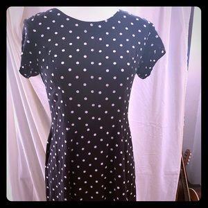 Cute fitted polka dot dress